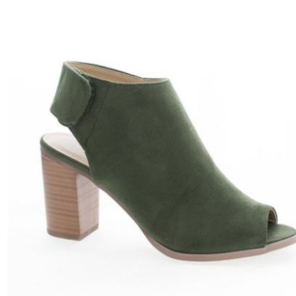 89a6350b3 Cityclassified Shoes - Olive green peep toe booties